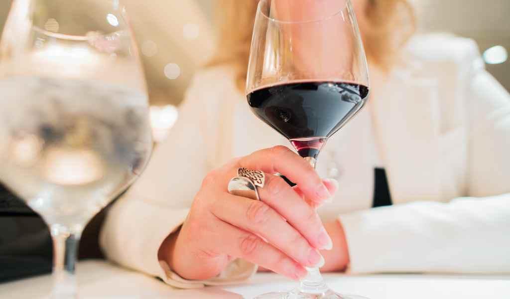 Лечение женского алкоголизма в Ильинском-Усово анонимно